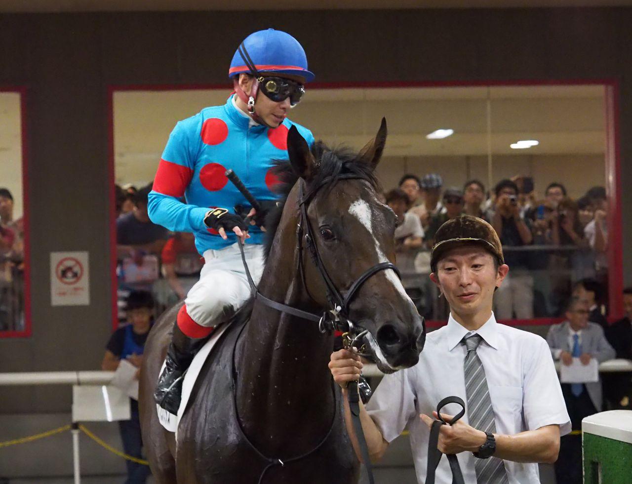【東京2R/2歳未勝利】スイープトウショウの仔 スイープセレリタスが初勝利