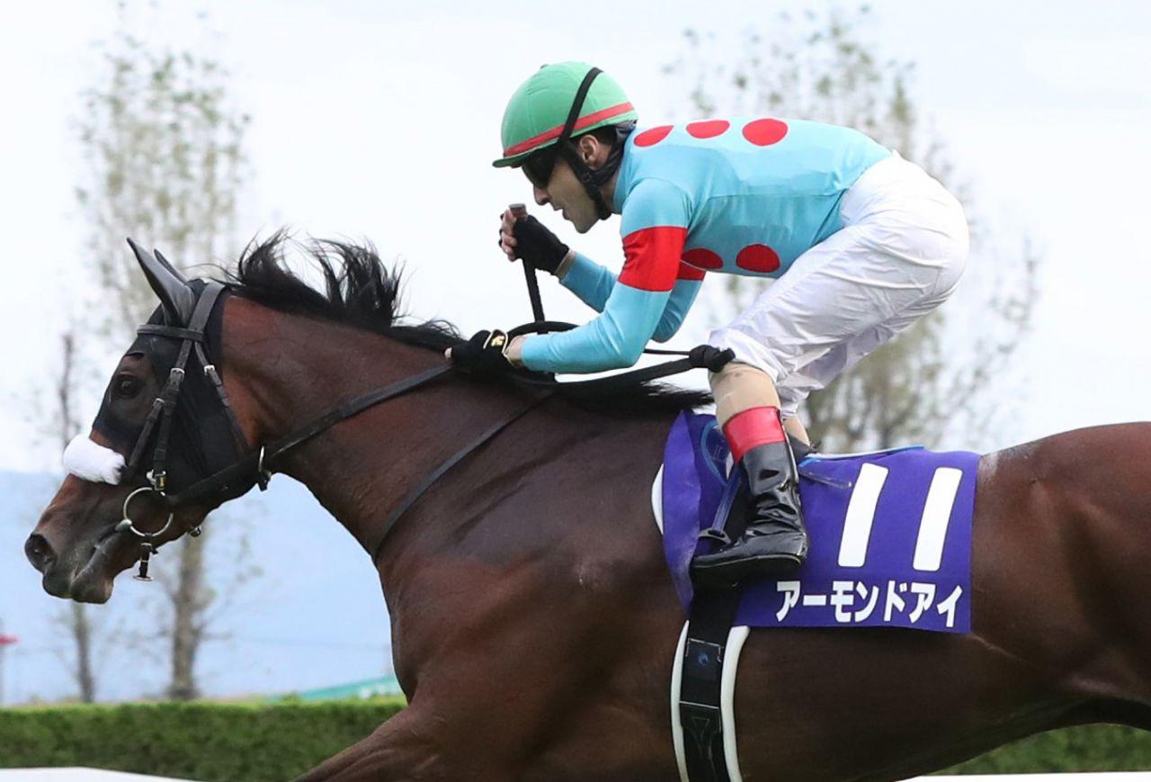 【秋華賞】ルメール「ファンタスティックホース」アーモンドアイが史上5頭目の牝馬3冠