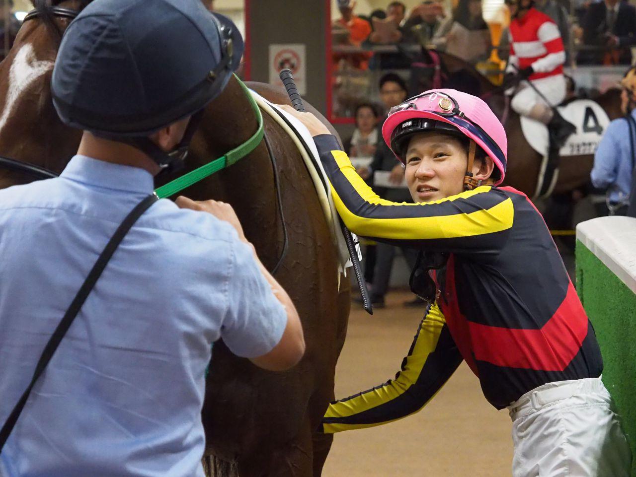 【東京3R/2歳新馬】石川「すごくマジメです」フォークテイルデビュー勝ち