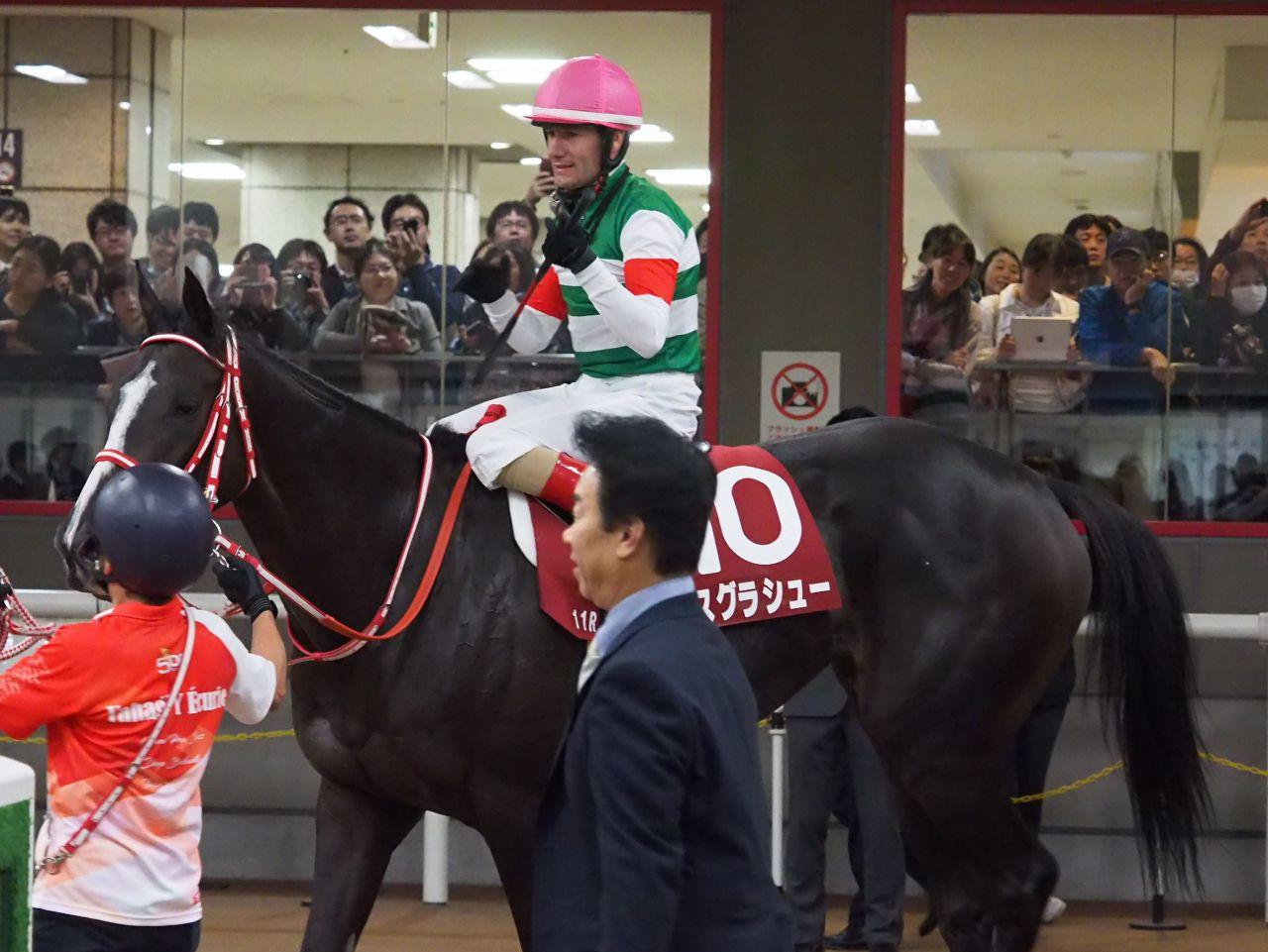 【府中牝馬S】デムーロ「勝った馬が強過ぎました」リスグラシュー32秒台の脚を使うも差される