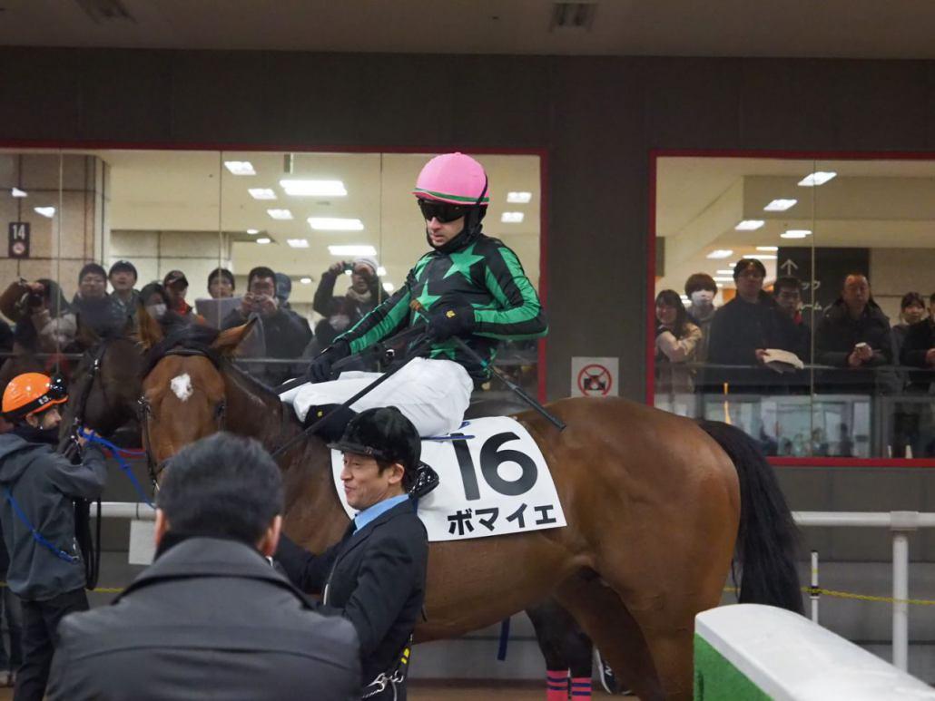 【東京6R/新馬戦】テイクザヘルムがデビューV!