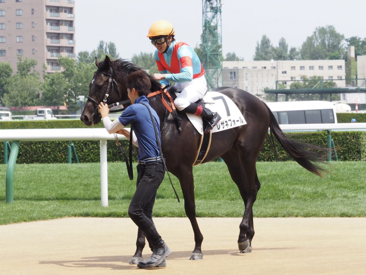 【新馬/札幌5R】三浦「良い内容で勝てました」レザネフォールが差し切る!