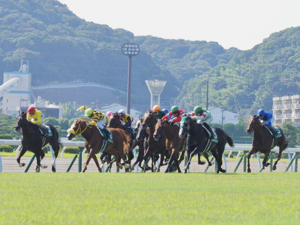 【小倉記念】北村友「馬が良くなっている」カデナが惜しい2着でディープ追悼Vならず