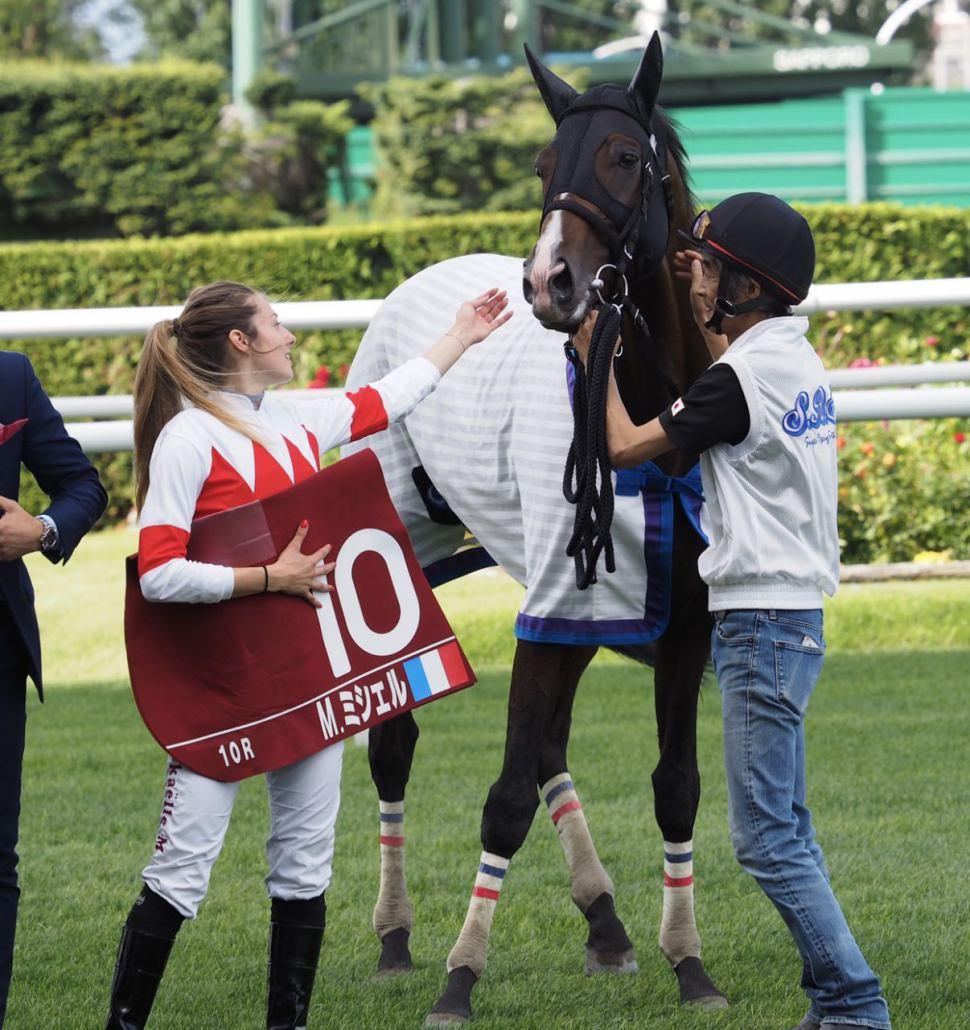 M.ミシェル「とても光栄」美し過ぎる女性騎手がJRA初勝利!