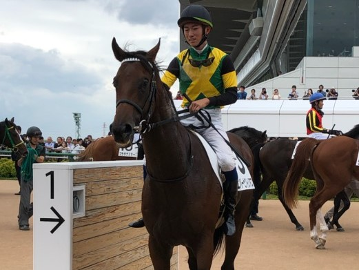 土曜中山3R新馬は戸崎圭騎乗のロンゴノットが9馬身差の圧勝