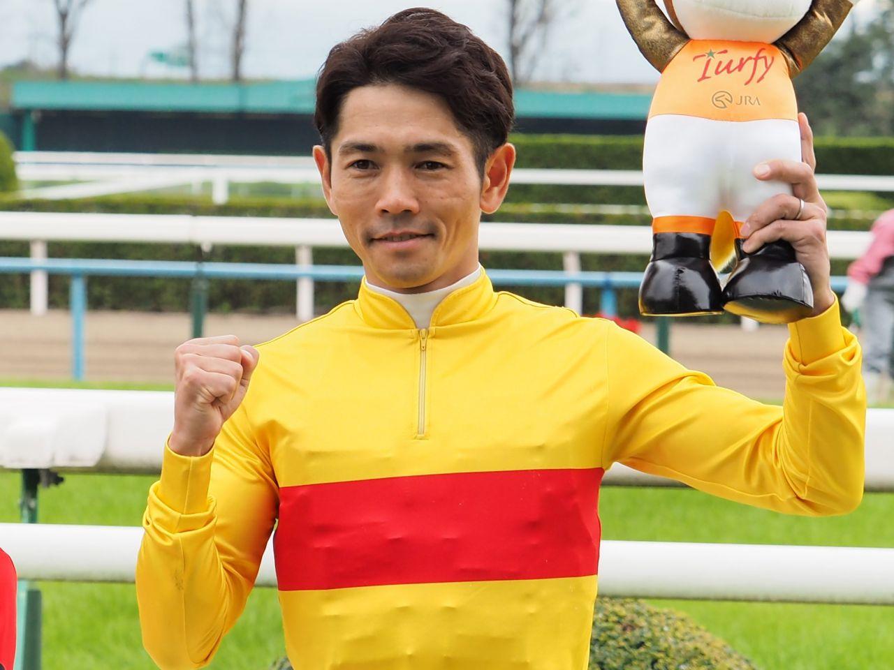 戸崎圭太騎手 JRA年間100勝達成!