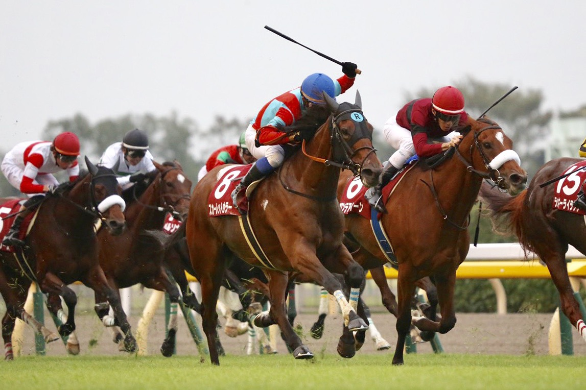 【府中牝馬S】スカーレットカラーが外から鮮やかに差し切る!