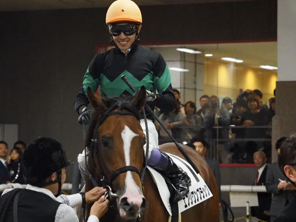 【新馬/東京5R】ルメール「凄く良い脚を使った」ゼノヴァースは1番人気に支持されるも4着