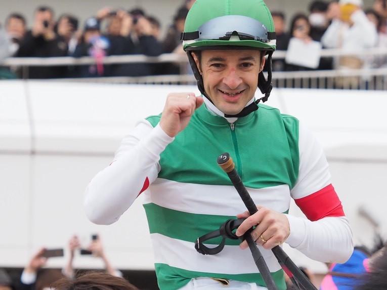 C.ルメール騎手 JRA通算1100勝達成!