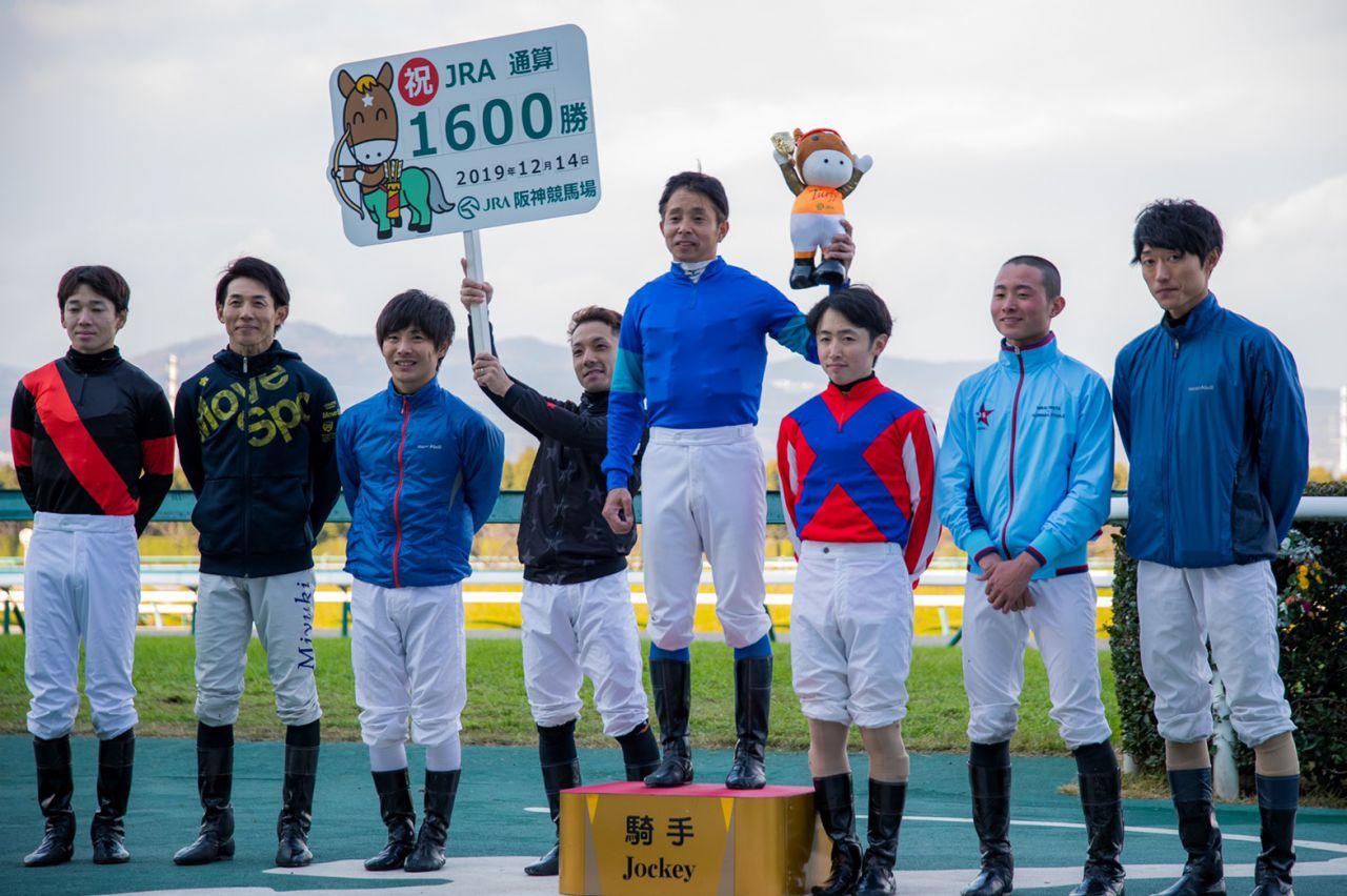 坂井瑠星騎手 JRA通算100勝達成!