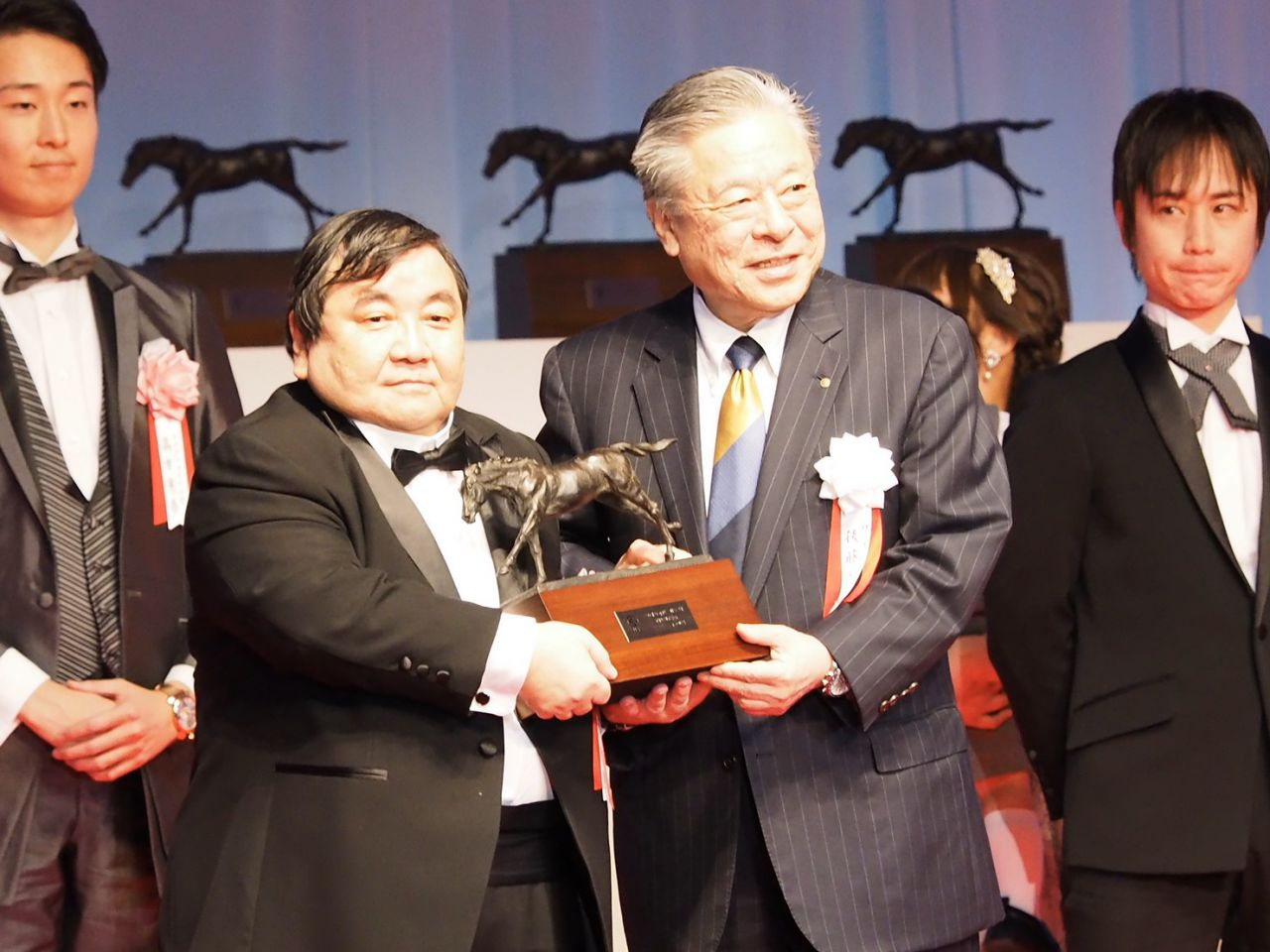 【JRA賞】安田隆師「3人揃って呼ばれたことを嬉しく思う」最多勝利調教師