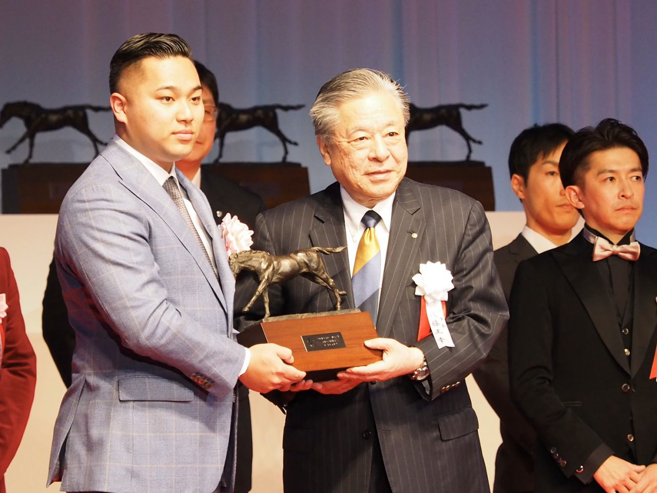 【JRA賞】最優秀2歳牡馬をコントレイル受賞!前田氏「3冠を目指せる馬」