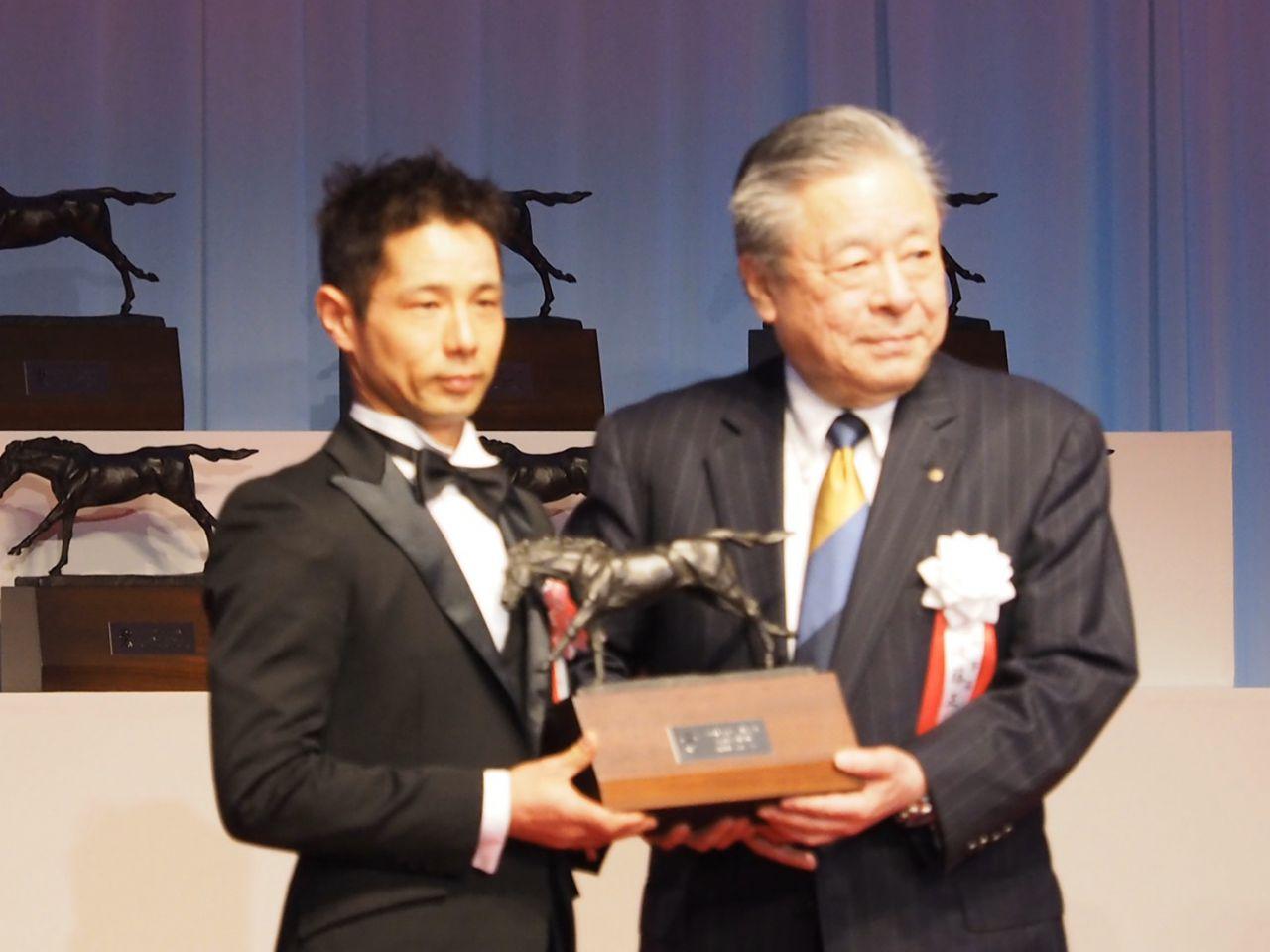 【JRA賞】斎藤新騎手「重賞戦線で活躍出来るように」最多勝利新人騎手