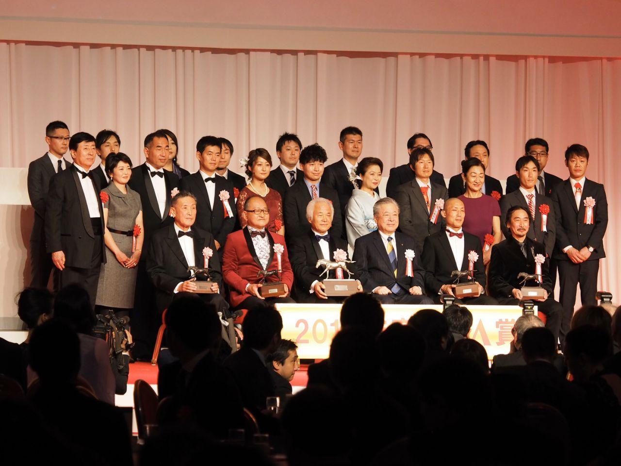 【JRA賞】矢作師「馬っていうのは常識で計ってはいけない」リスグラシューが年度代表馬を受賞