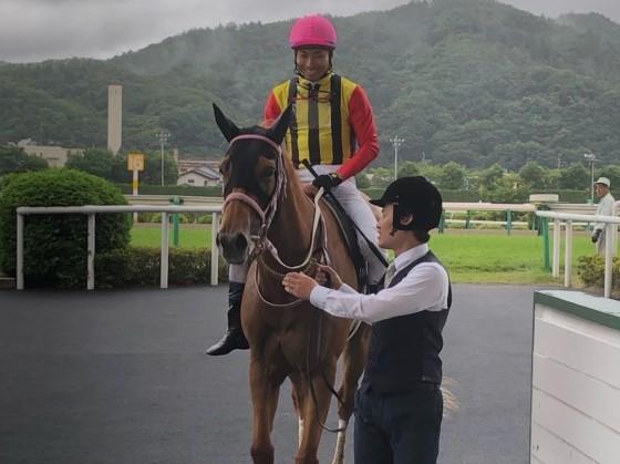 カラクレナイ号が競走馬登録抹消