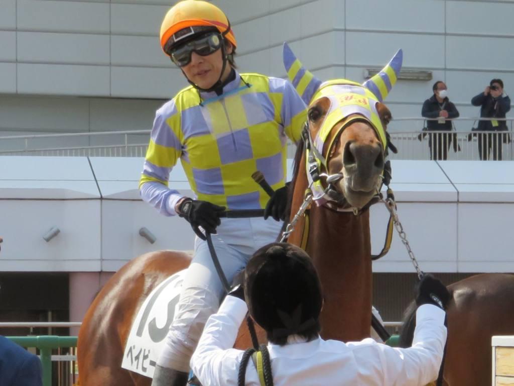 落馬負傷から復帰した浜中俊騎手が本日3勝、阪急杯でいきなり重賞V!