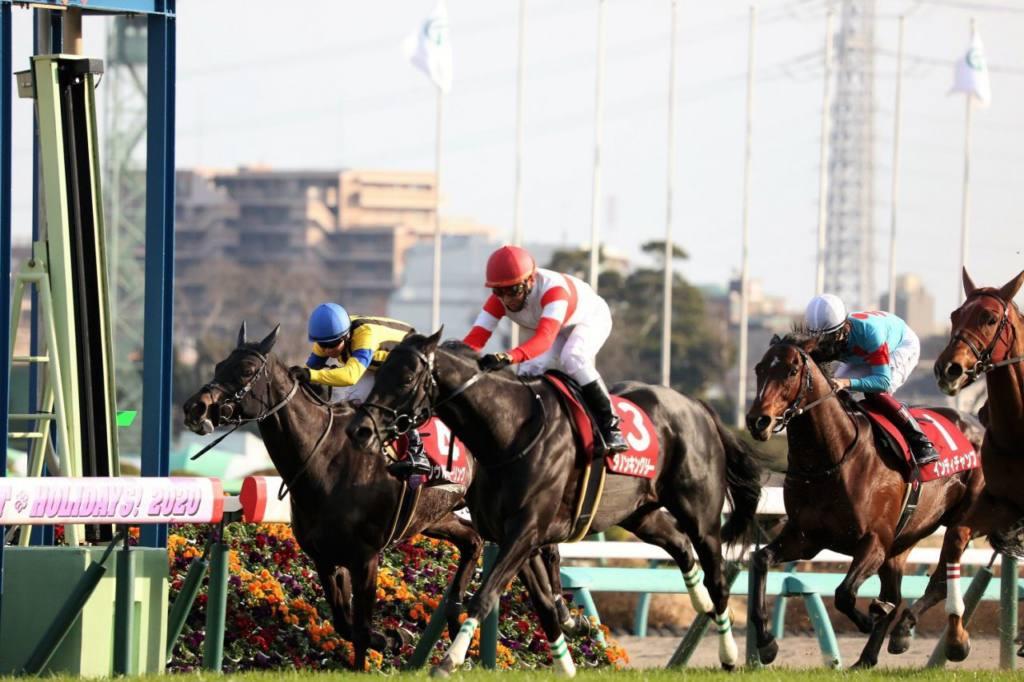 水仙賞は4番人気の牝馬クロスセルが制す