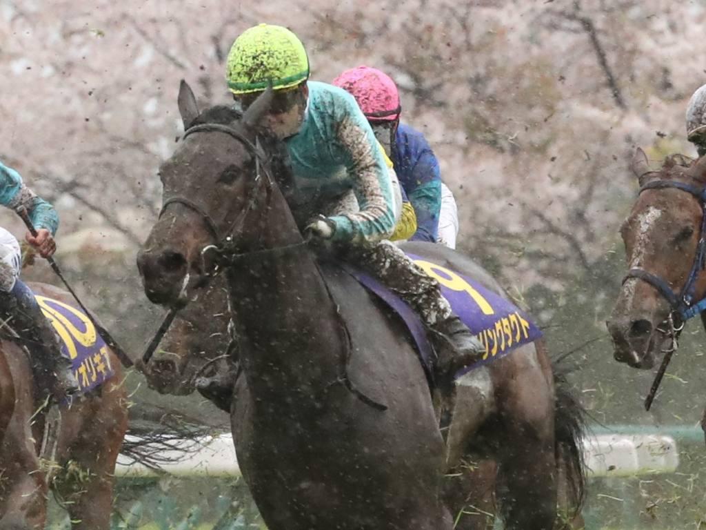 【桜花賞】松山「無我夢中で追いました」デアリングタクトが桜の女王