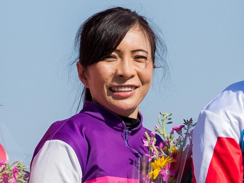 宮下瞳騎手(愛知) 国内女性騎手初となる年間100勝を達成