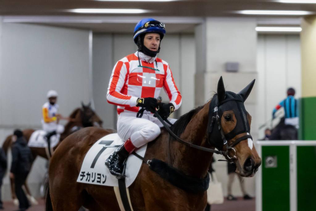 【中京3R】松永幹師「芝でもやれる」チカリヨンが初勝利